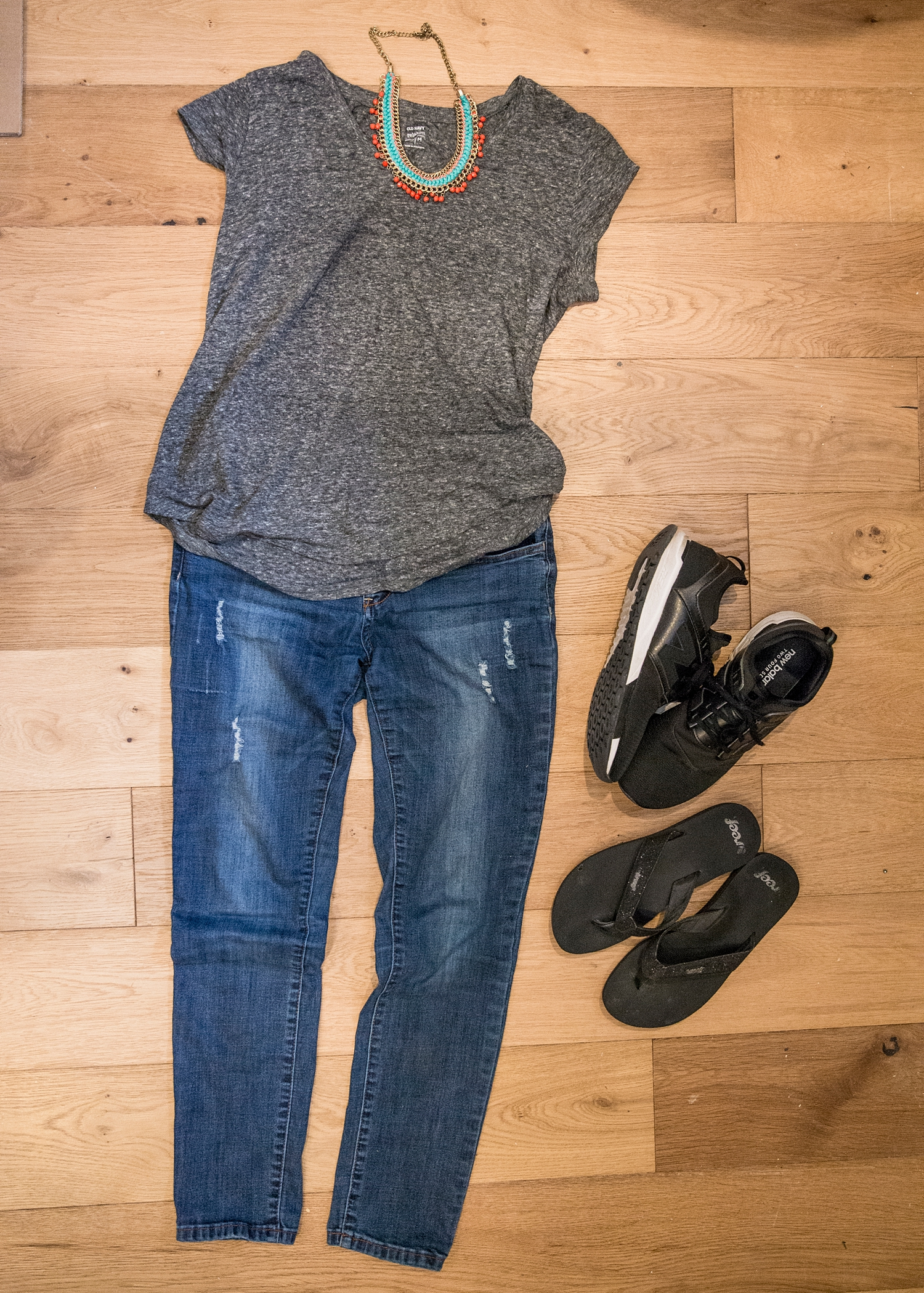 Spring outfit ideas for women over 40--CUTE IDEAS! Check out more on Getting Unschooled :)