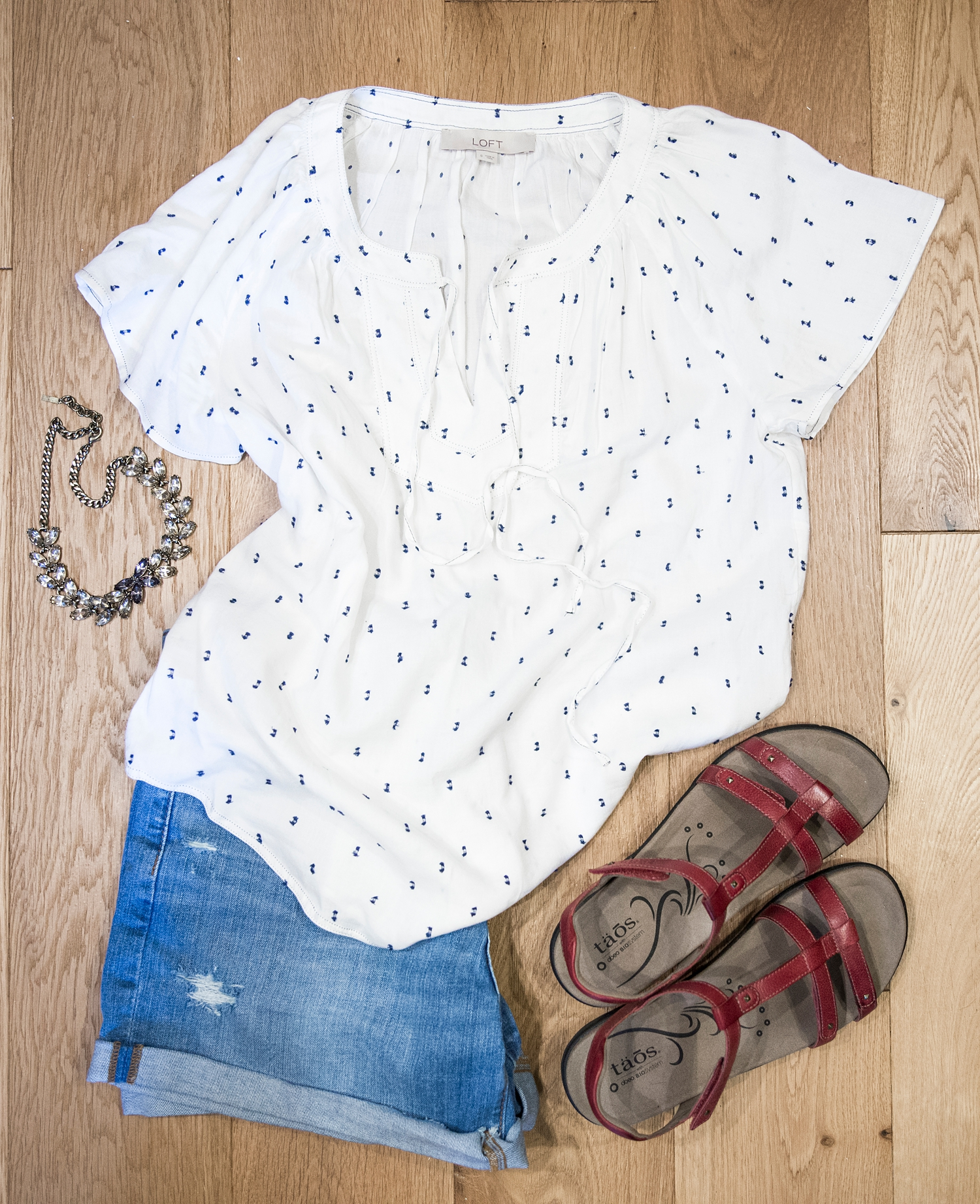 A flowy top makes everything feel dressier and more feminine! That's an easy and inexpensive way to update your summer wardrobe for women over 40.
