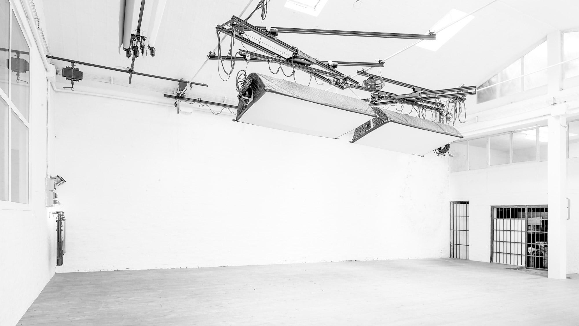 OFVSTUDIO-BOLOGNA-studio-fotografico-noleggio-sala-pose28.jpg