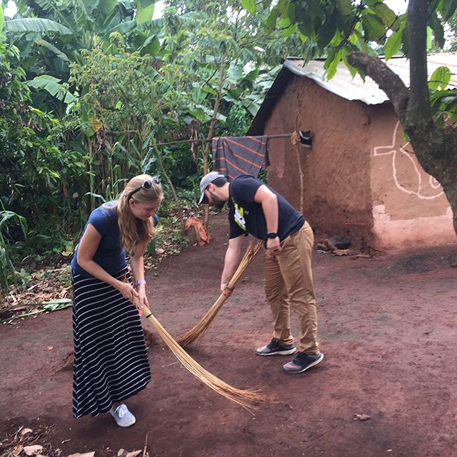 Today we went into the village to help out some of the older residents.  We cleaned and helped with laundry. #teachersonmission #sanyumissiontrip #gsfuganda @gsfuganda