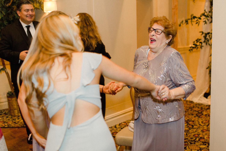 grandma-dancing-at-reception