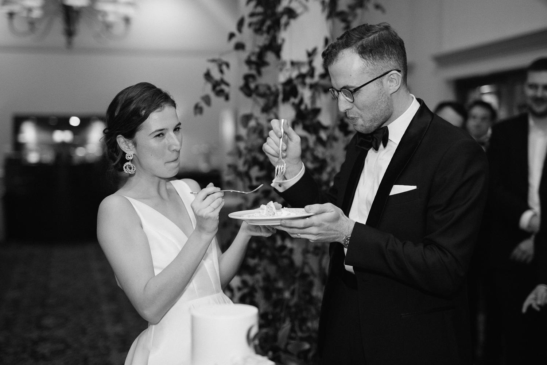 bride-groom-cutting-cake