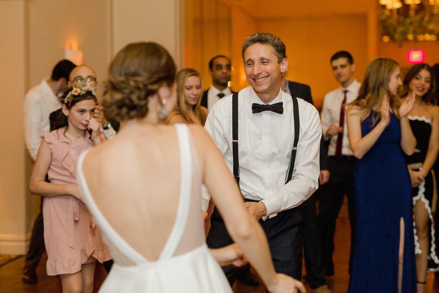 bride-and-father-dancing