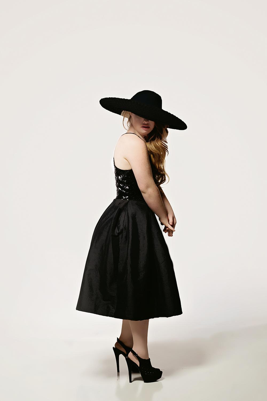 Photo taken from madelinestuartmodel.com