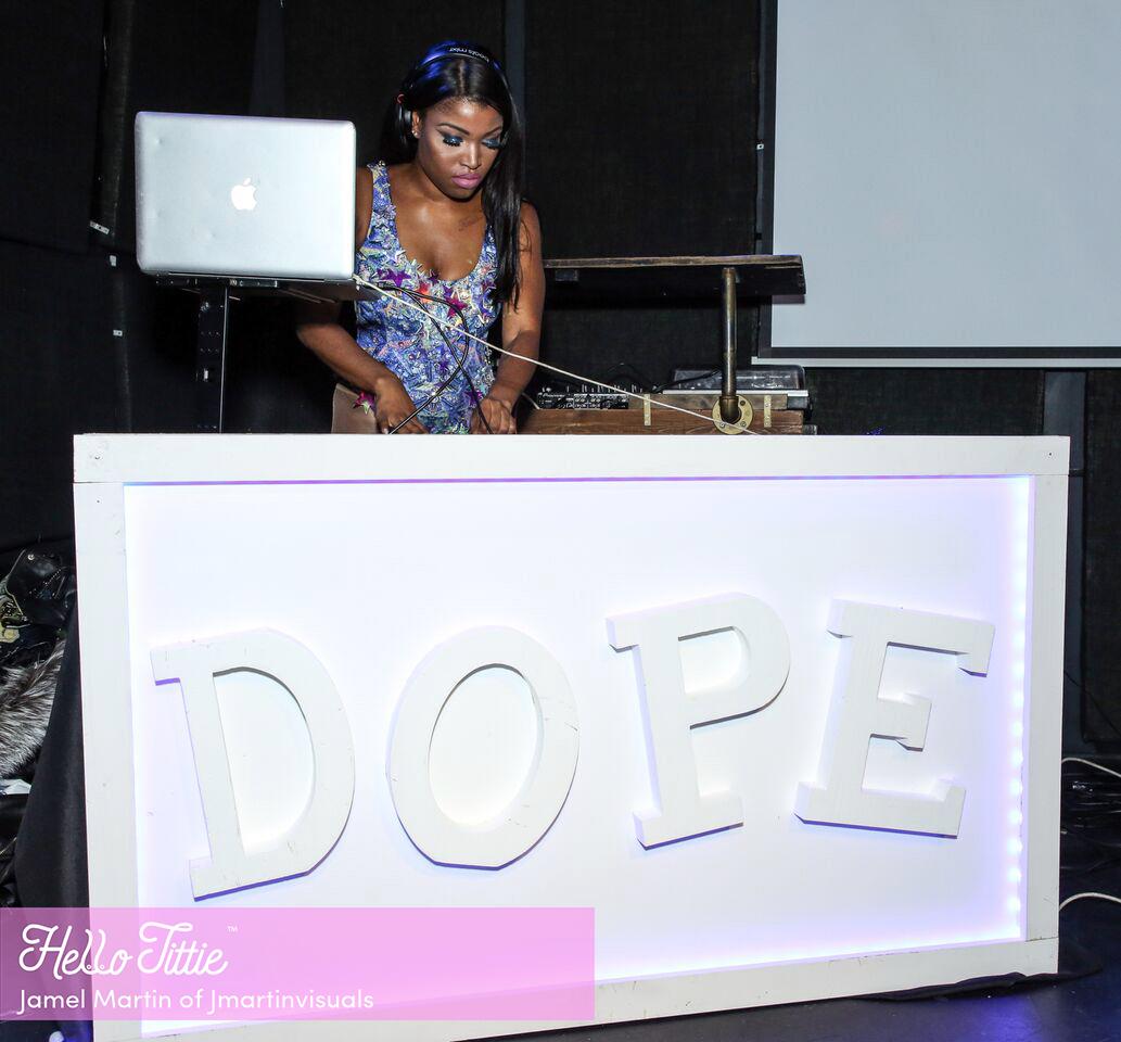 DJ Olivia.jpg