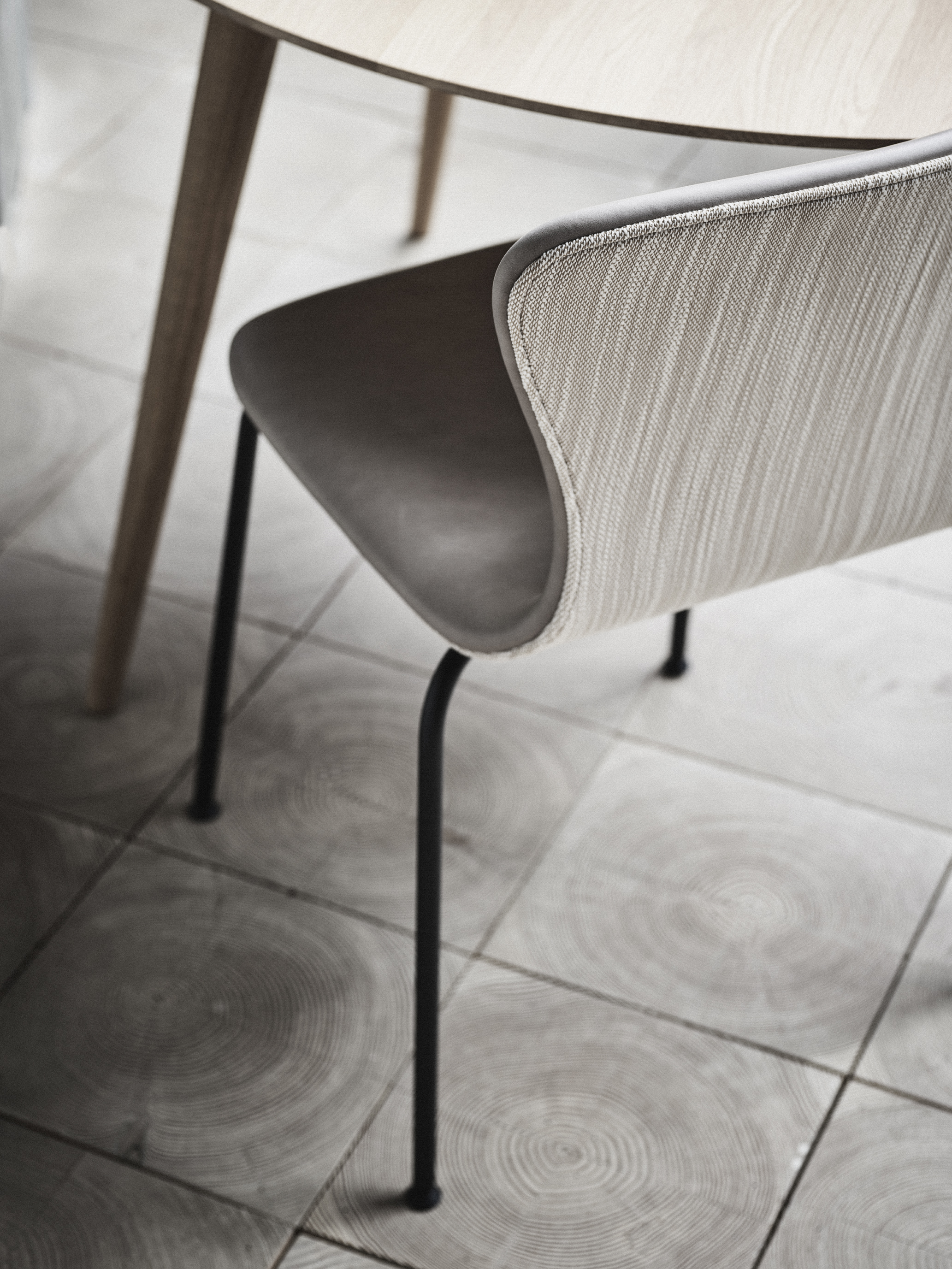 Nuance  Burned Grey Leather from Sorensen Leather by Space Copenhagen &  Lila  from Kvadrat by Doshi Levien
