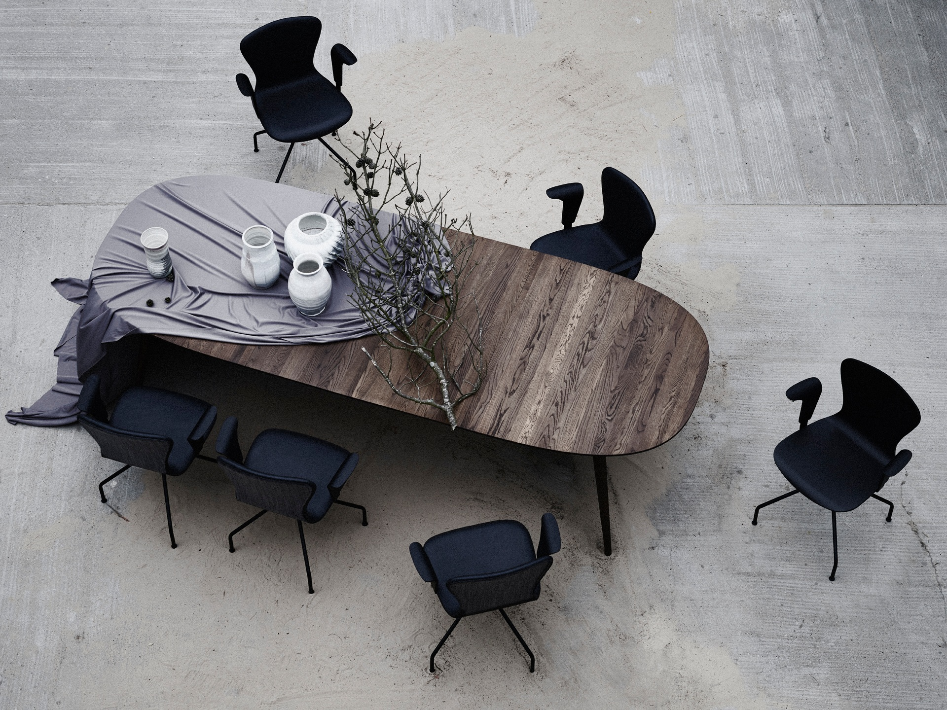 AW18 Setup 6 PLAYdinner Lamé Table, PLAYchair Swing-LowRes 2.jpg