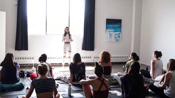 We are still feeling lifted from @victoria_bauman 's O2 Awakening Breathwork experiential workshop that took place at Haven last Saturday. To breathe deeply, to laugh, to cry, to sing and shout, to go within and without.. to feel truly human. Thanks to all who attended and journeyed with us ✨shout out to @spiceandseedco for the delicious snack and @lululemonmtl for the setup!#o2awakening #breathwork #montreal #mileex
