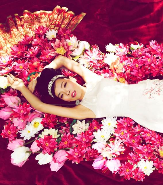 Dami Im flowers.jpg