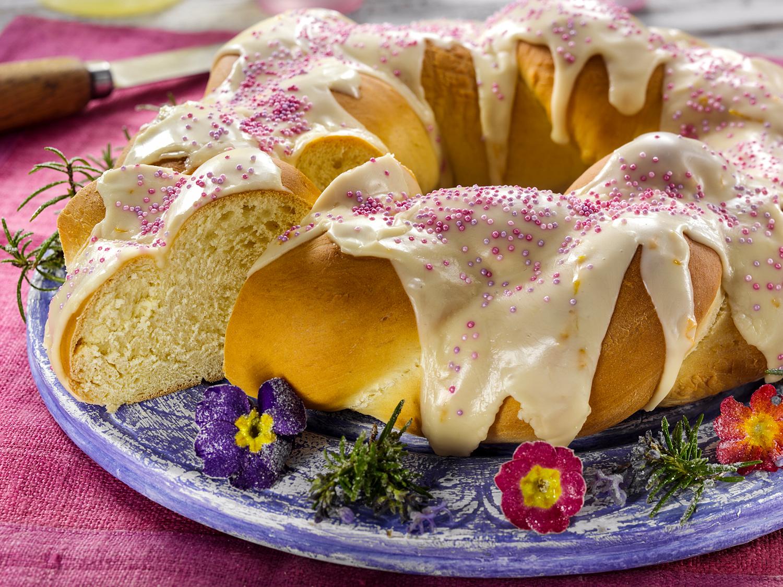 Italian braided Easter cake