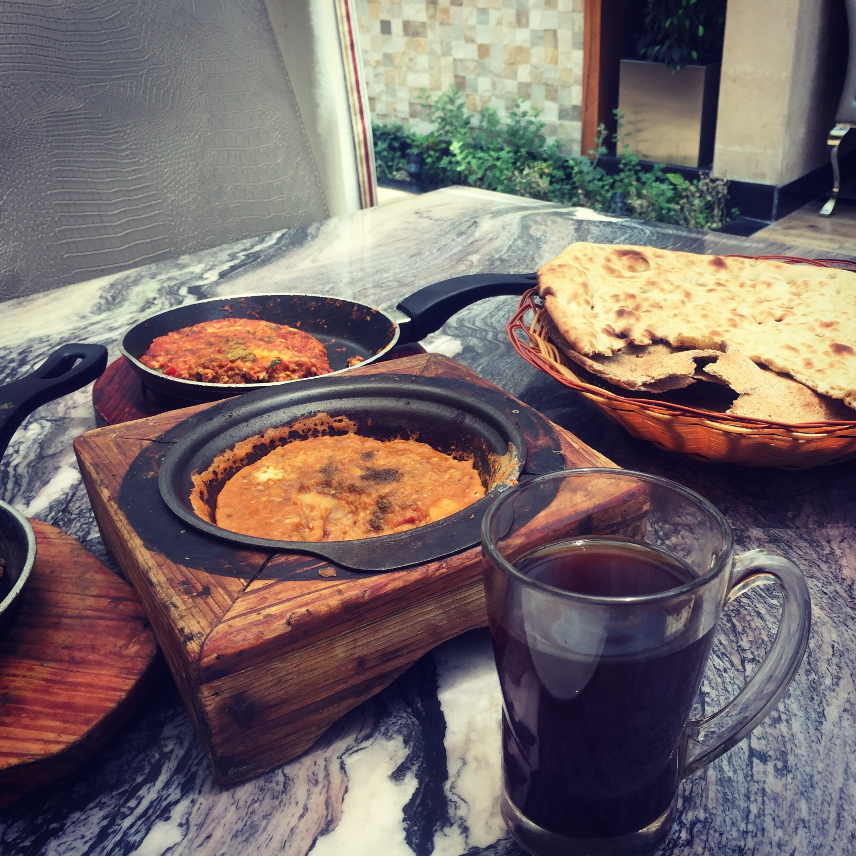 Yemeni/Saudi style of mashed fava beans. Perfect with some tea!