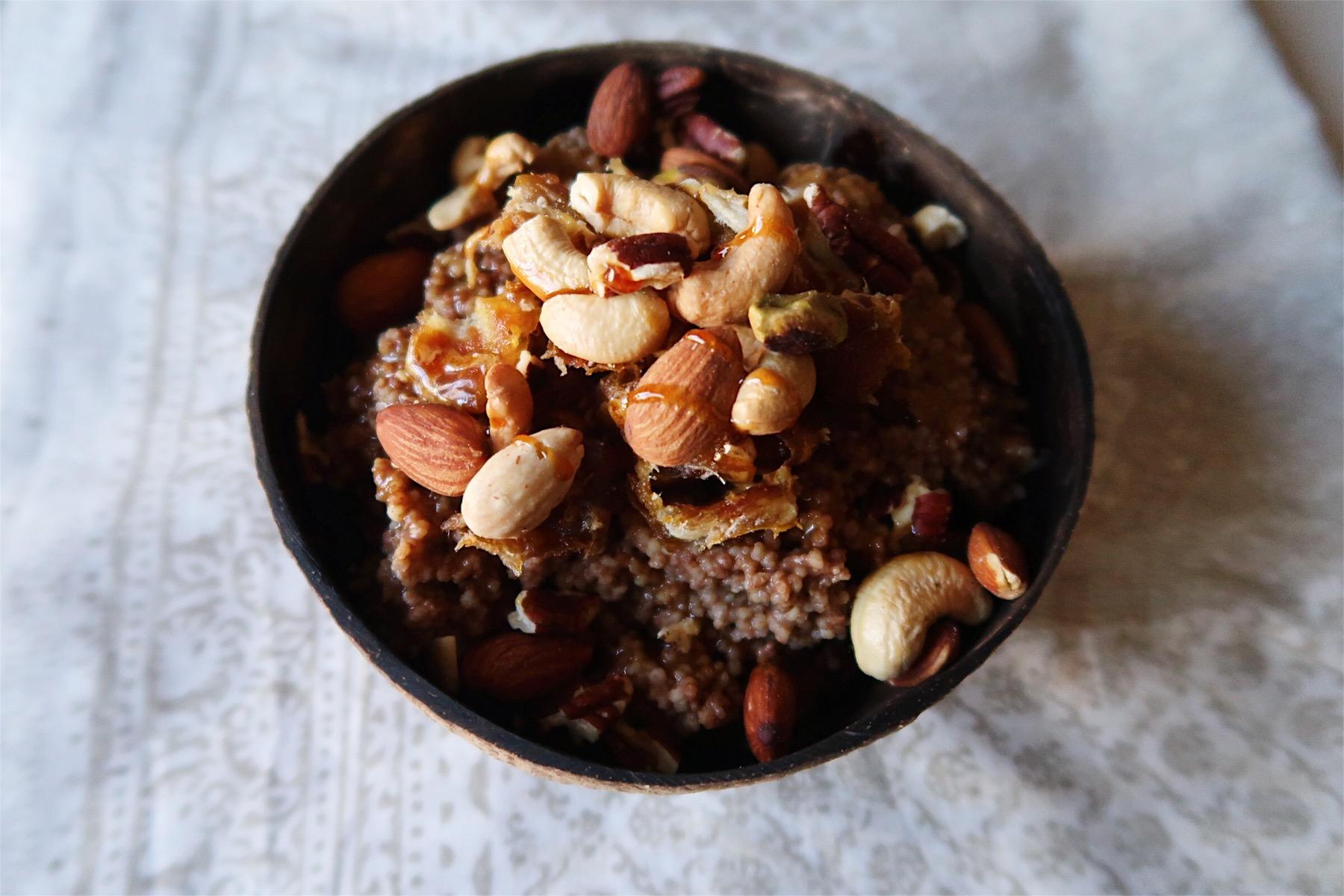 Nutty date cinnamon porridge