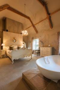 Just one of Dunowen's stunning bedrooms