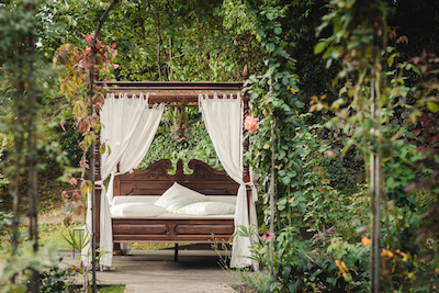 The spot for an afternoon nap in Fragsburg's magical gardens