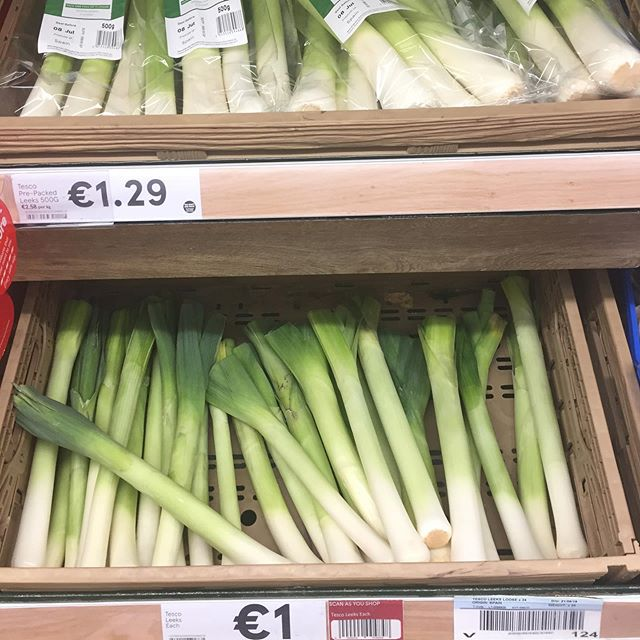 @tesco_ireland @tescofood do you really not get it? €1 per plastic-free leek and €1.29 for pack of 3 leeks smothered in plastic. I love leeks but just can't buy them sadly... when will you learn? . When will you stop destroying our fragile planet?  A reply would be appreciated.... . . #ourplasticfeedback #plasticfree #plasticfree #tesco #tescofood #climate #plasticpollution @urban_deriver @itsanitarani @lizbonnin @dancingfoody #tuesdaymotivation #health #healthyfood #wellness #dublin