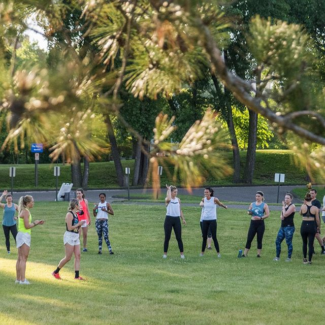 Who wants to get outside with us this week??? We want to see you on Wednesday at HIIT & Run!  Who: You and all of your friends! What: A super fun and FREE outdoor Fly Feet workout! Where: Meet @commonsmpls  When: Wednesday, August 21 @6:00pm Why: For a great workout outdoors and tons of fun!!! . . . #treadmighty #flyfeetrunning #hiit #grouptraining #optoutside #getoutside #outdoorworkout#thegreatoutdoors #run #runthistown #wherearewerunning #runnersgonnarun #hiitandrun #runmpls #groupfitness #livecolorfully #fitspo #minnstagramers #mpls #lovefitness #mplsrunning #runwiththepack