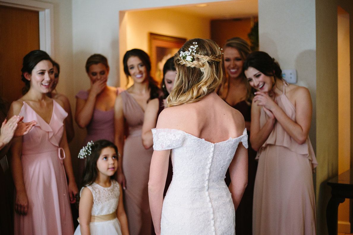 wedding, poses, outdoor, inspiration, bride, vibrant, colorful, winter, intimate, groom, light and airy, natural light, ideas, passion, unique, Knoxville, Tennessee, first look, getting ready, bridal party, bridesmaids