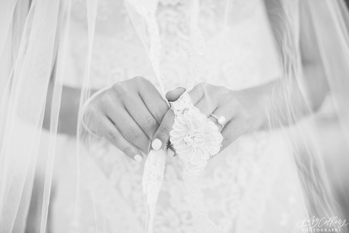 poses, indoor, romantic, spring, light and airy, natural light, ideas, passion, artistic, creative, inspiration, editorial, art, lighting, love, Knoxville, Tennessee, Cherokee country club, vibrant, colorful, bright, bride, details, black and white