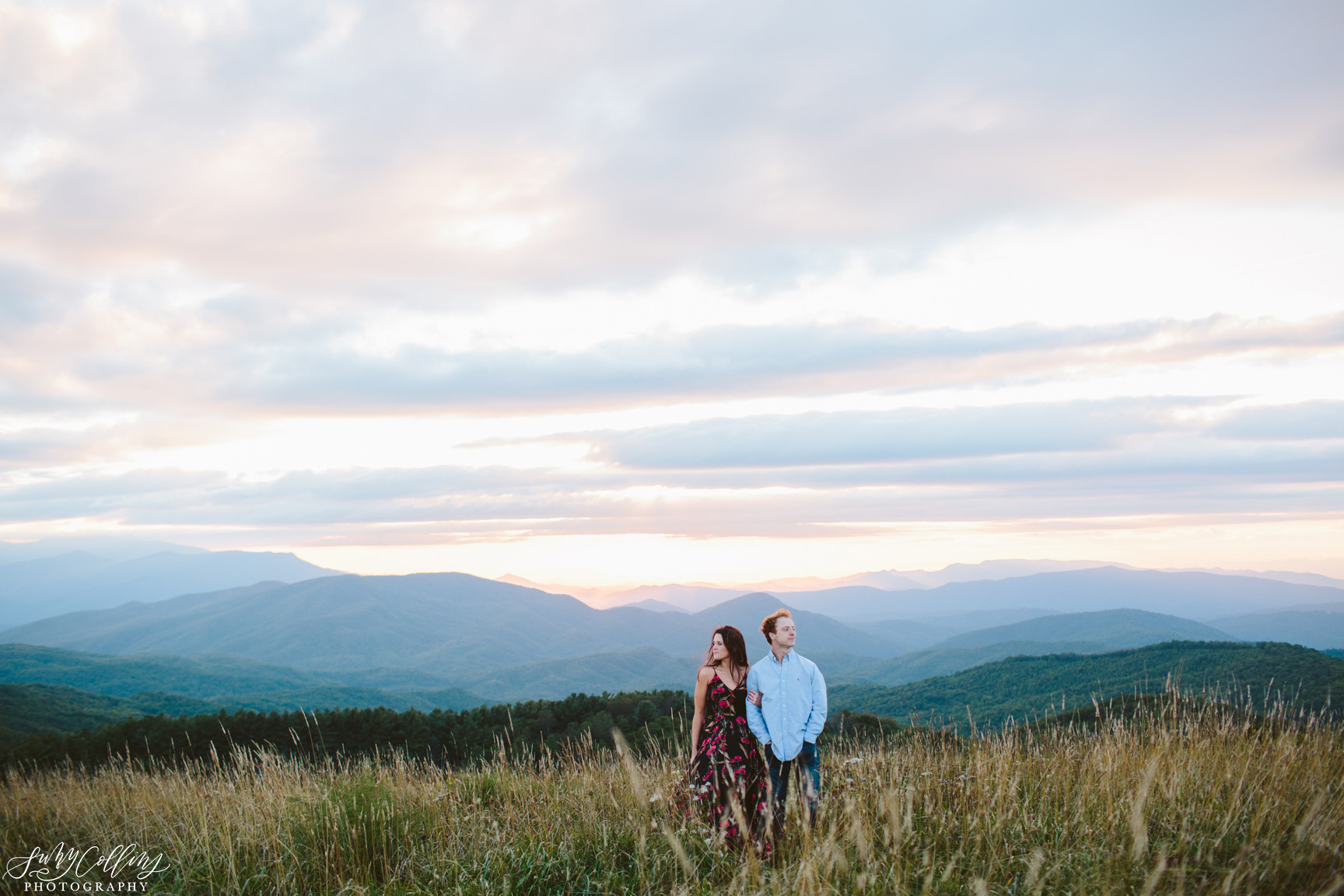 poses, couples, outdoor, max patch, Knoxville, Tennessee, engagement, sunset, evening, love, vibrant, colorful, bright, creative, romantic, natural, light and airy, natural light, passion, inspiration, intimate, outfits, fountain, woods, field, sunrise, windy, North Carolina