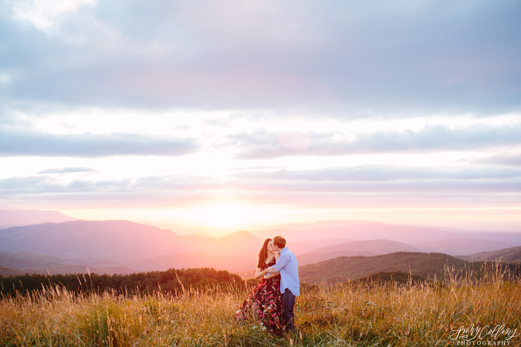 poses, couples, outdoor, max patch, Knoxville, Tennessee, engagement, sunset, evening, love, vibrant, colorful, bright, creative, romantic, natural, light and airy, natural light, passion, inspiration, intimate, outfits, fountain, woods, field, sunrise, windy, North Carolina, kiss