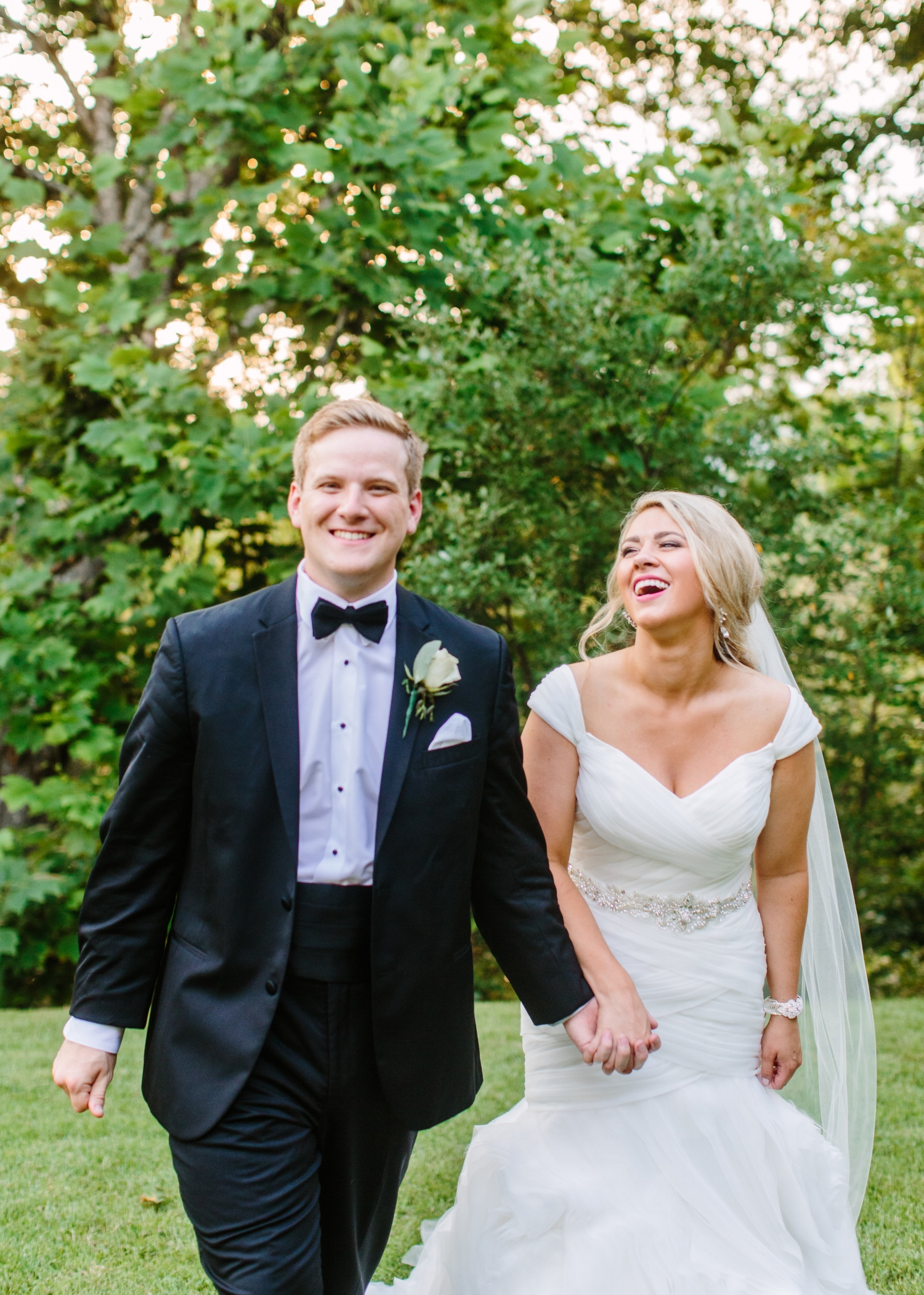 Justin & Chelsea - Classic Outdoor Wedding
