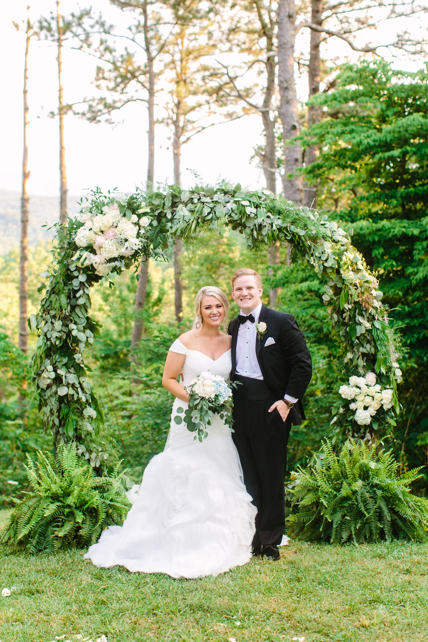 Knoxville Photographer Classic Outdoor Wedding Circle Floral Arbor
