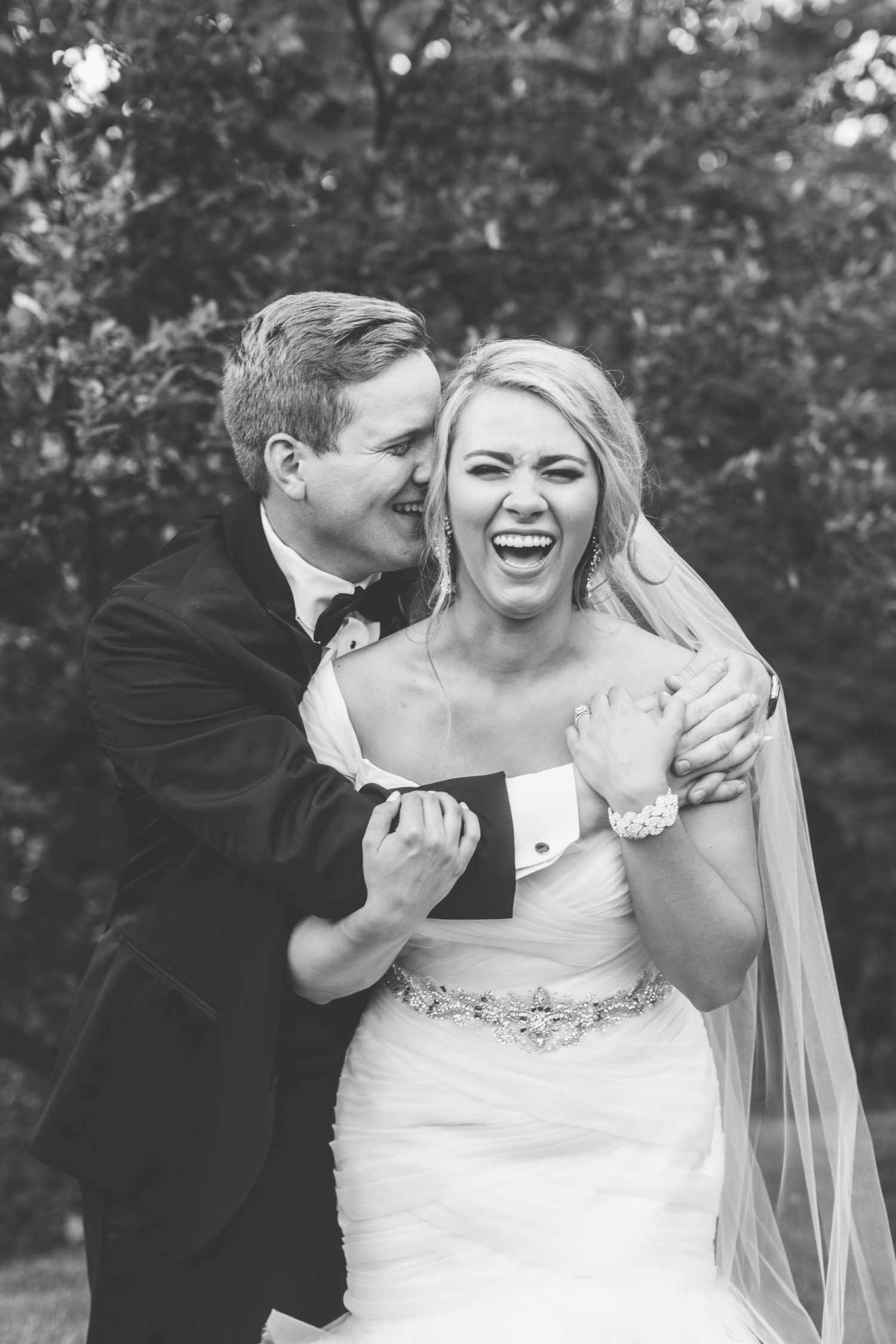 Knoxville Photographer Classic Outdoor Wedding Laughing