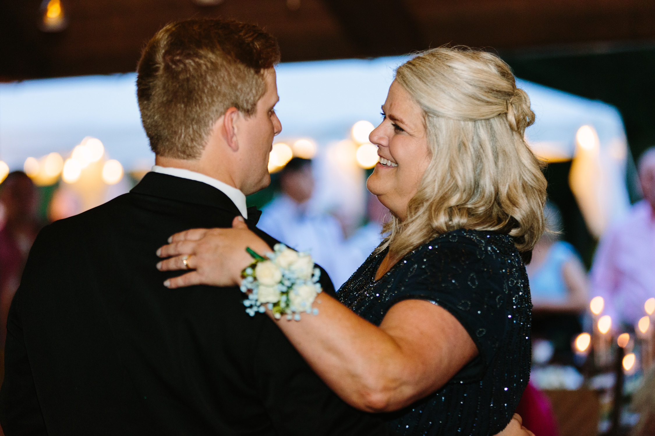 Knoxville Photographer Classic Outdoor Wedding Mother Son Dance