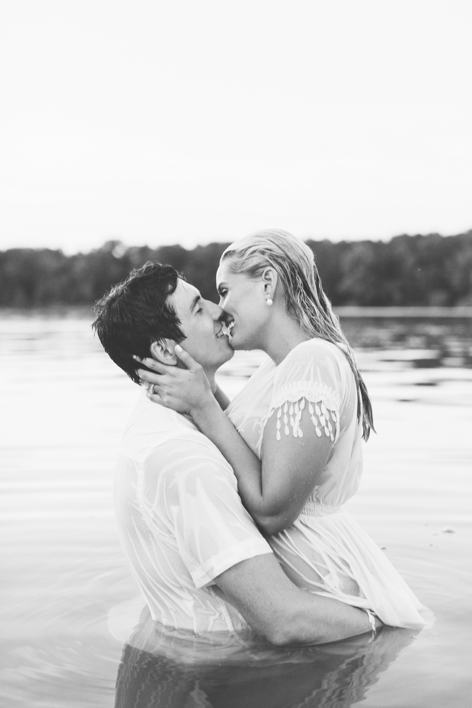 Water Engagement Photos // Knoxville Photographer // Suzy Collins Photography