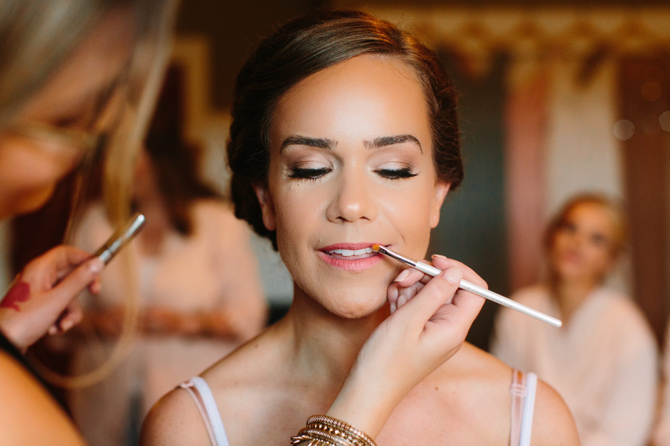 Bride Getting Ready // Tennessee Photographer // Suzy Collins Photography // The Olde Farm