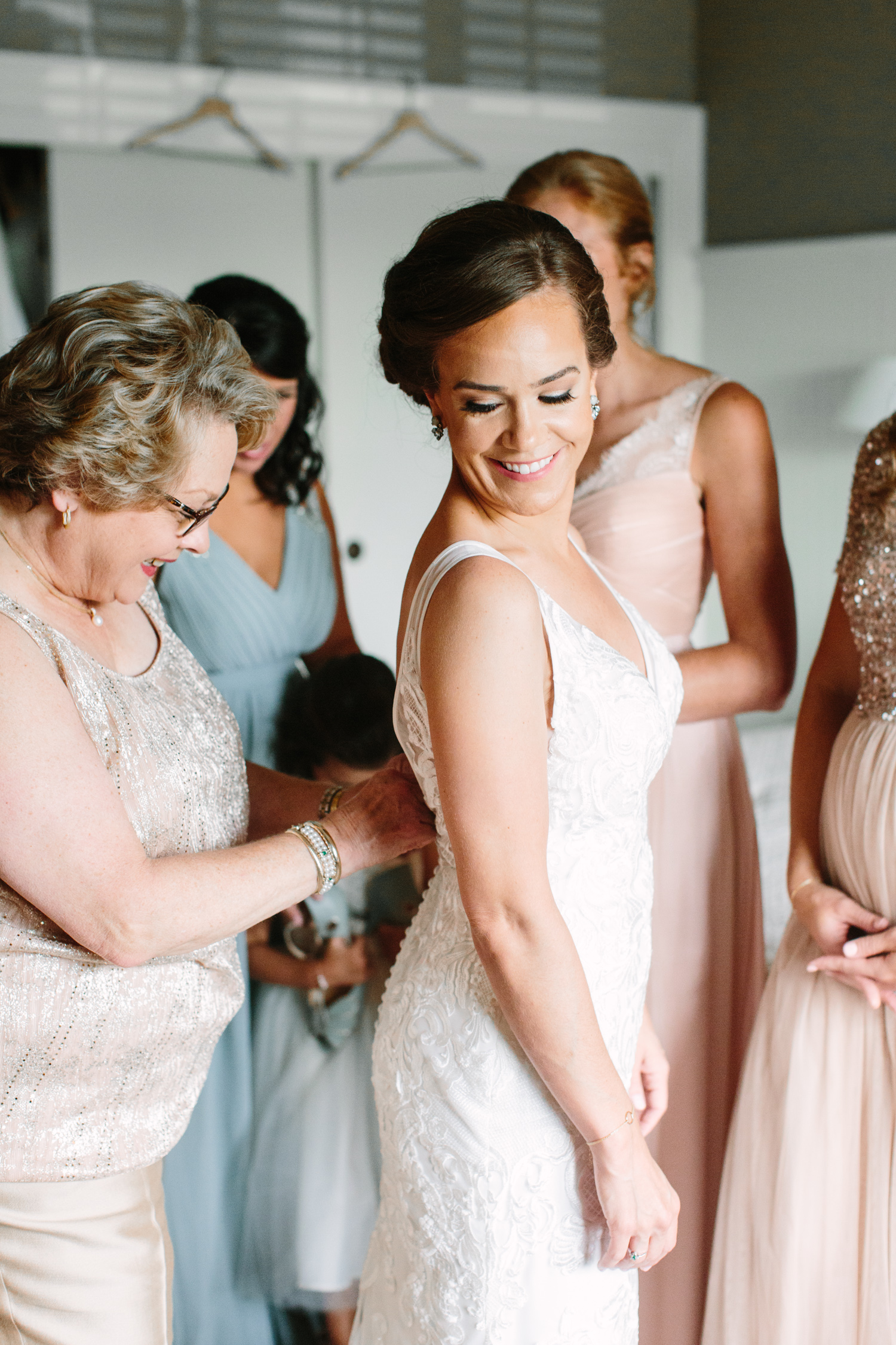 Mom & Bride // Tennessee Photographer // Suzy Collins Photography // The Olde Farm