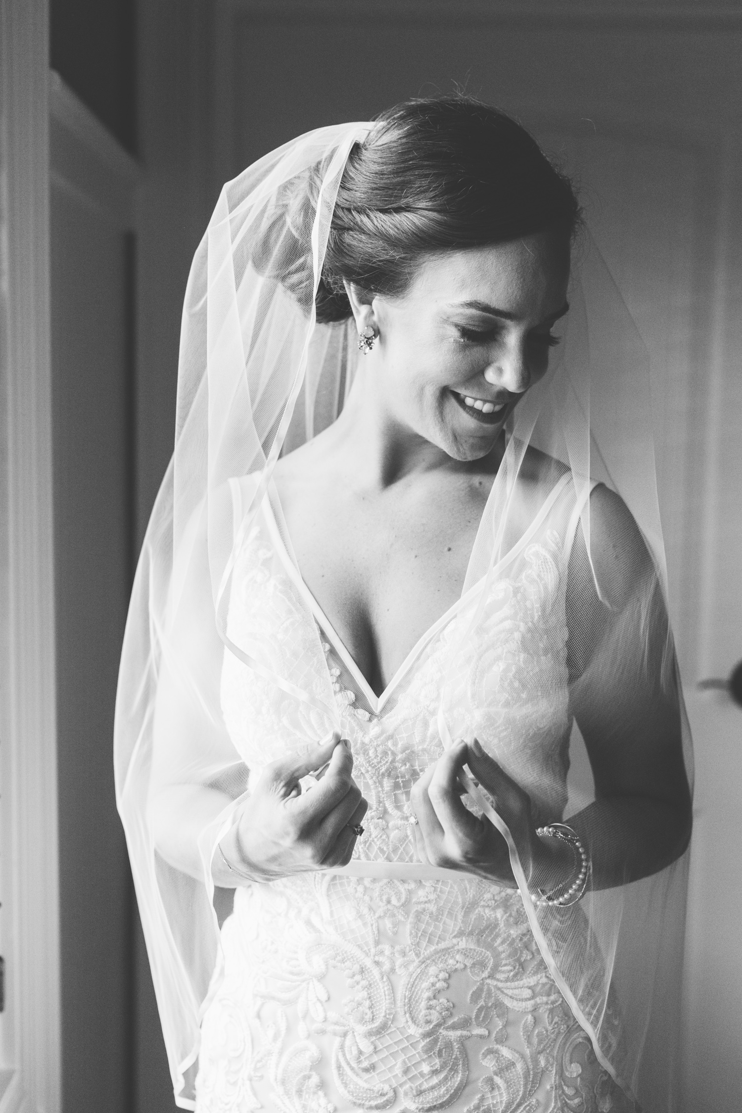 Bridal Portraits // Tennessee Photographer // Suzy Collins Photography // The Olde Farm