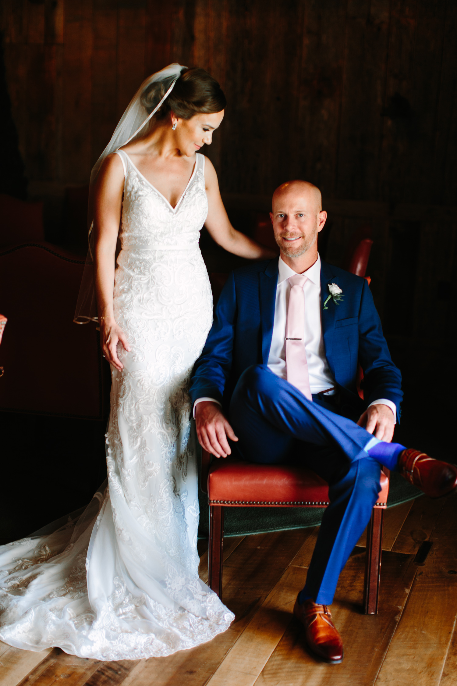Moody Bride & Groom Portraits // Tennessee Photographer // Suzy Collins Photography // The Olde Farm