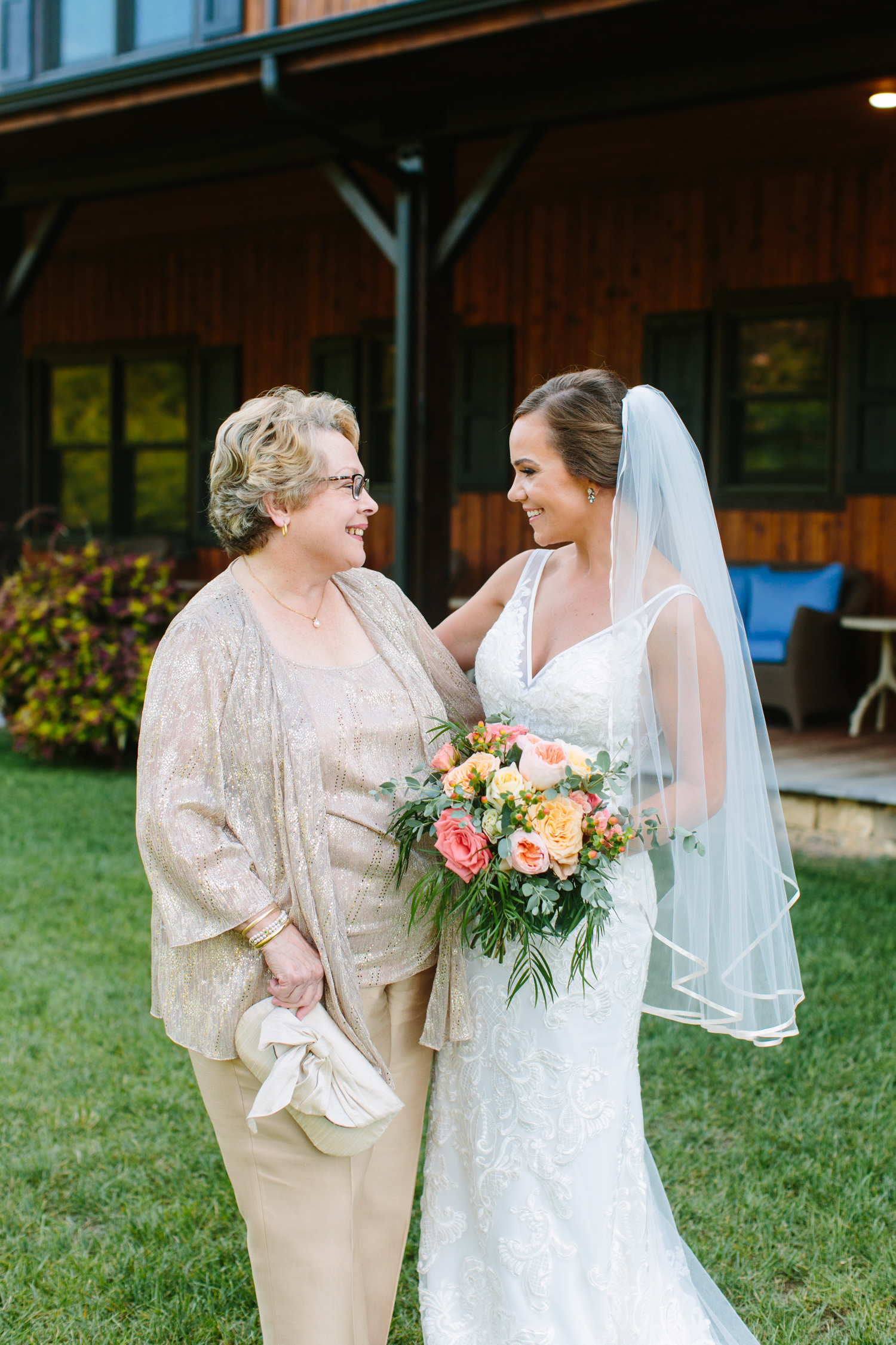Mother of the Bride // Tennessee Photographer // Suzy Collins Photography // The Olde Farm