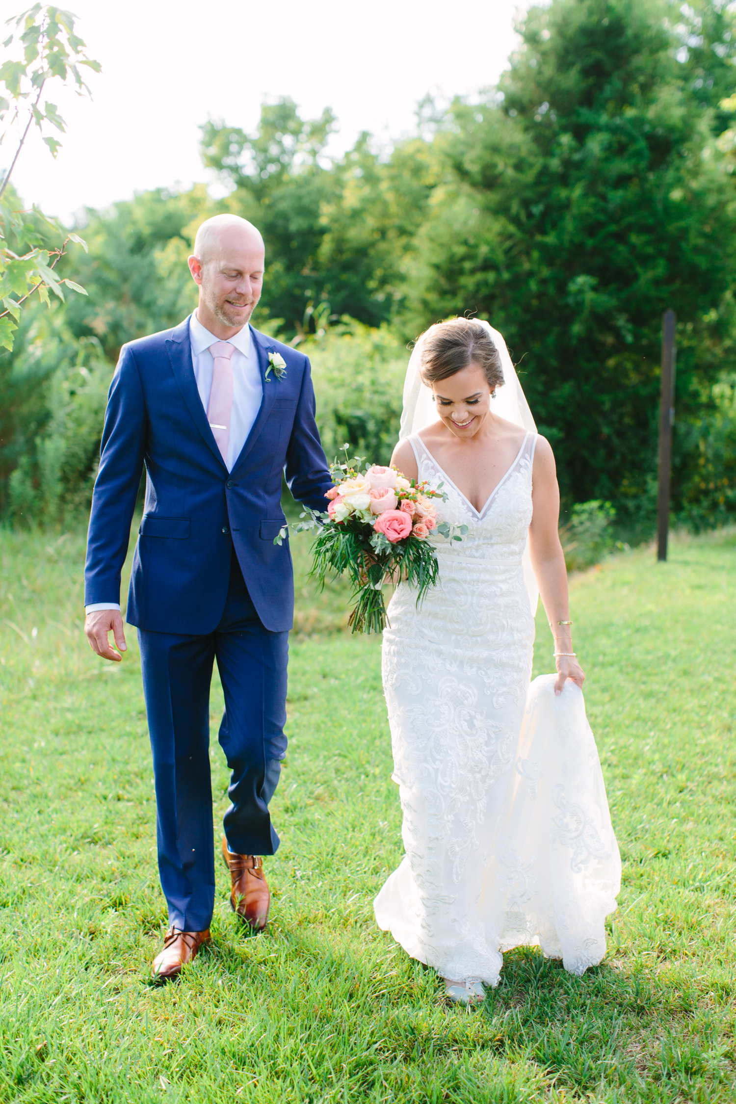 Romantic Outdoor Wedding // Tennessee Photographer // Suzy Collins Photography // The Olde Farm