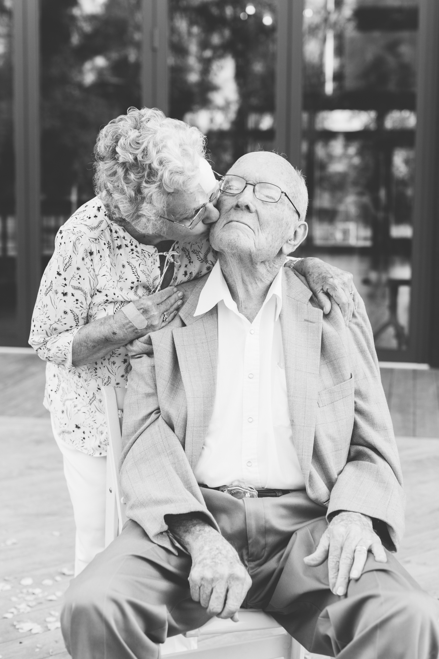 Grandparents at Wedding Romantic Pavilion Wedding // Tennessee Photographer // Suzy Collins Photography // The Olde Farm