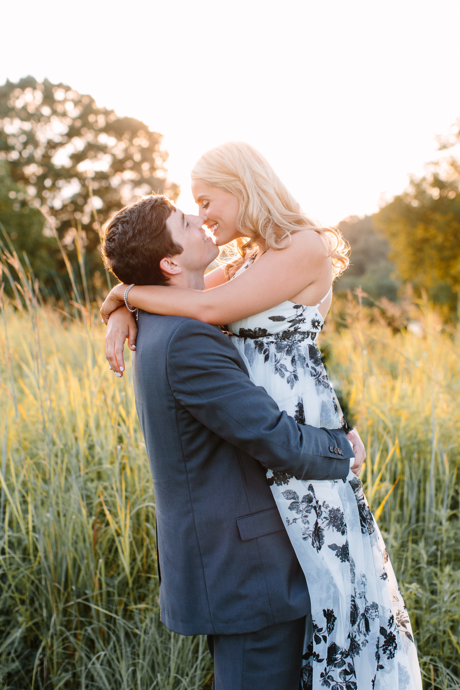 Elegant Knoxville Engagement Session // Tennessee Photographer