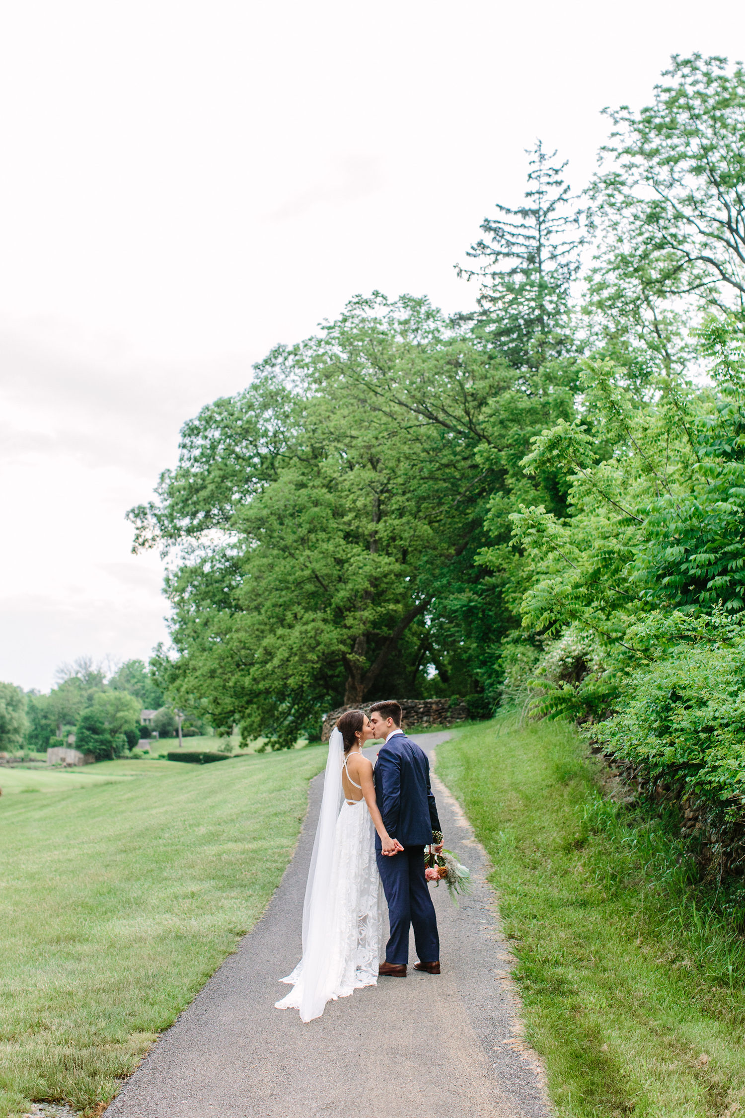 Round Hill Virginia// Wedding by Suzy Collins Photography