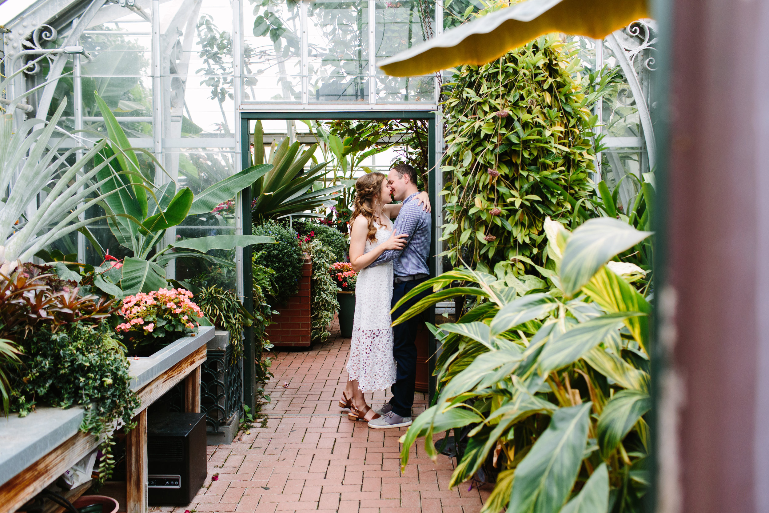 Biltmore Estate Engagement Session // Suzy Collins Photography // Biltmore estates, poses, outdoor, intimate, ideas, outfits, country, mountains, unique, passion, young, engaged, creative, romantic, spring, rainy, editorial, natural light, light and airy, vibrant, inspiration, beautiful , black and white