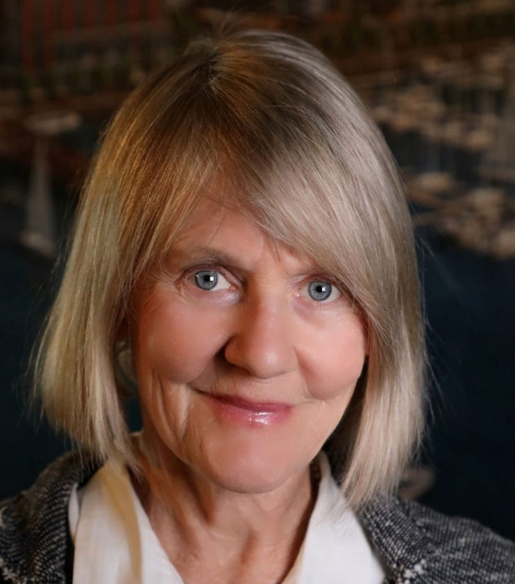 Elinor Bacon, Seaside Fellow.  2004 Seaside Prize Winner