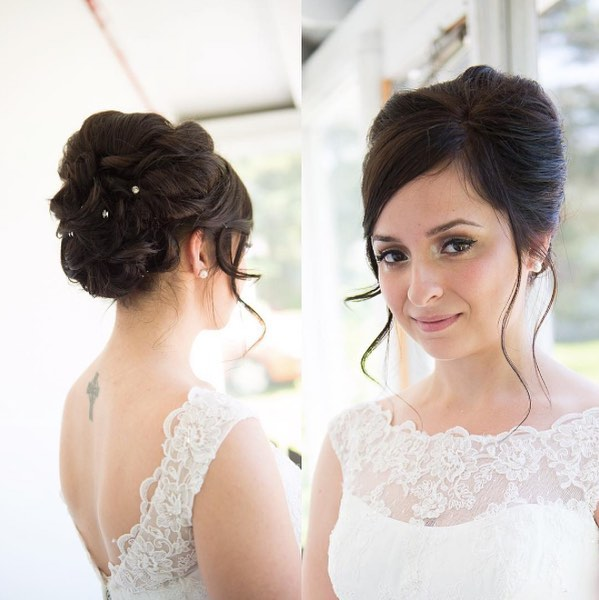 👰🏻 beautiful elegant updo by @alexandra.apple and makeup by @stay.bold . . . #okanaganwedding  #autogramtags #letsplanawedding  #weddingprofessionals  #weddingmontreal  #rainydaywedding  #torontoweddingvenue  #countryclubwedding  #weddingdayfun  #socalweddings  #lifeofawpicweddingplanner  #idahowedding  #stylemeprettyweddings  #wedcolorado #pnwweddings  #grandrapidsweddingphotographer  #montrealhairstylist  #mtlhairstylist  #randcohair  #montrealhair  #mississaugahairstylist  #trymhair  #joicolumishine  #oribeobsessed  #redkensalon  #montrealhairsalon  #ottawahair  #montrealhairdresser  #torontohairstylist  #tapeinhairextensions
