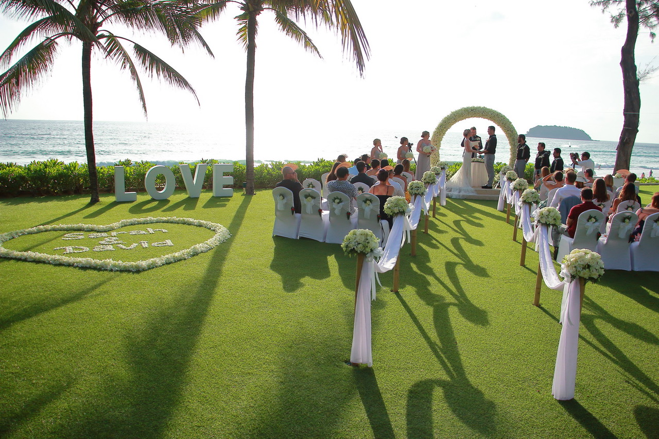 Being a Team Player - Four Things Any Officiant Can Do to Help the Other Professionals ShinePhoto by the photography staff of the Katathani Beach Resort