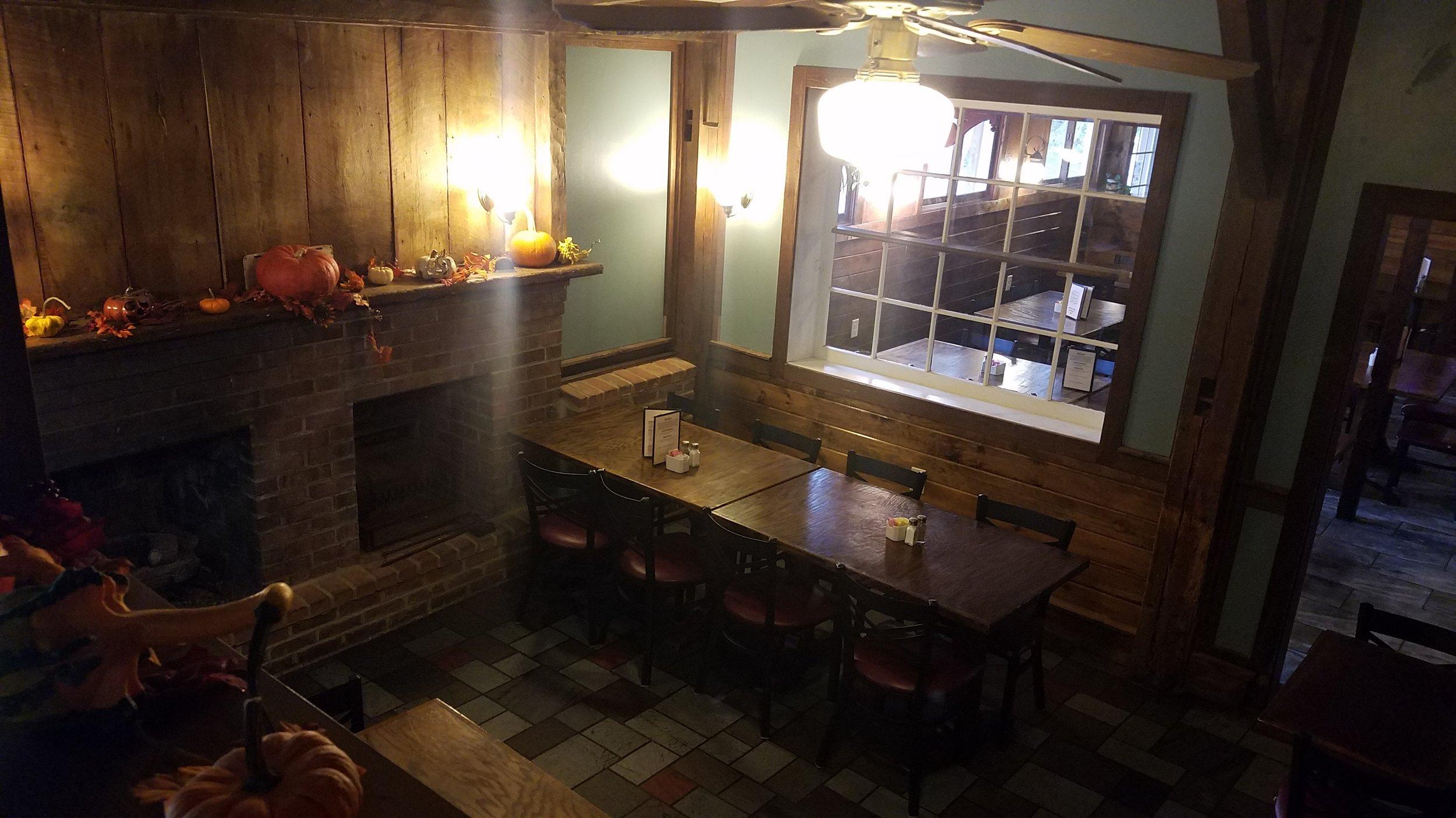 'L' Dining Area