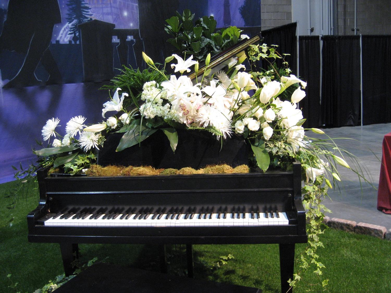 Floral Design — The Bartram Garden Club, Inc. on standard flower show table designs, garden club underwater designs, winning garden club flower designs,