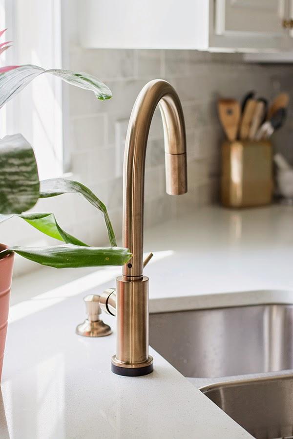 delta_touch2_faucet_champagne_bronze_7
