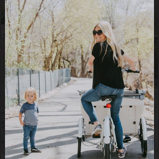 Nothing says Happy Mother's Day like a bike with a giant purse on the front it #bikevecino