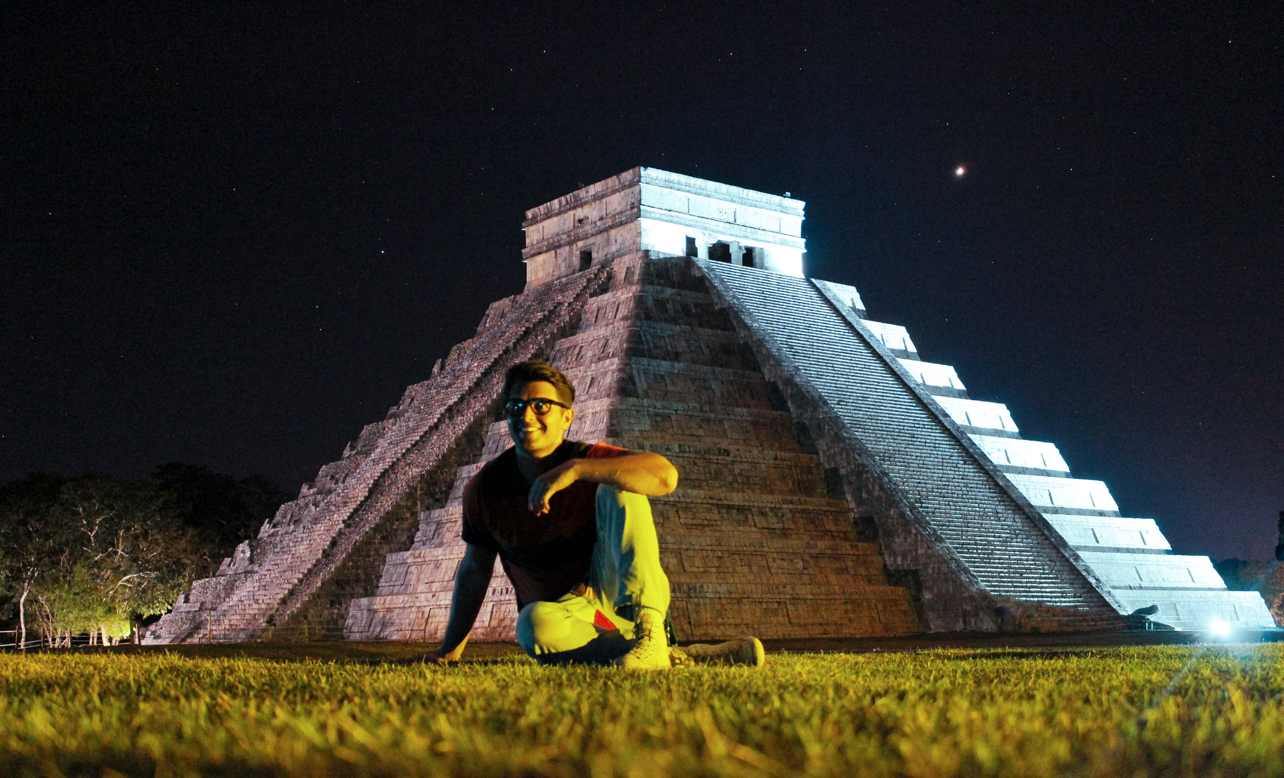 Mayan capital city Chitchen-Itza sans tripod