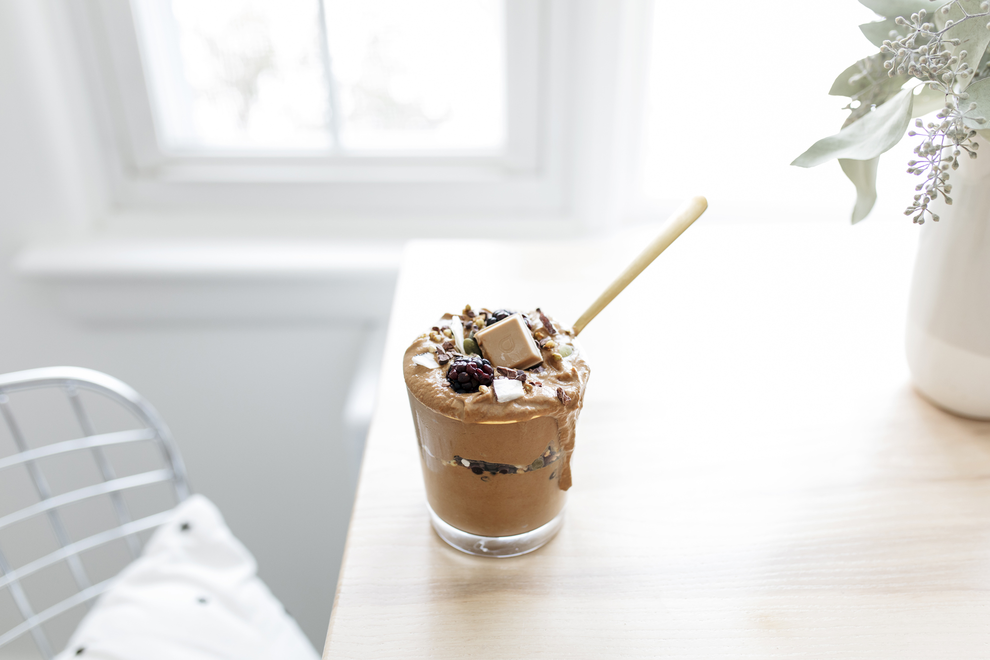 Creamy Cacao Nice Cream + Monday Motivation. Starting Monday's with a good breakfast is a great way to start out the entire week. Check out the recipe below