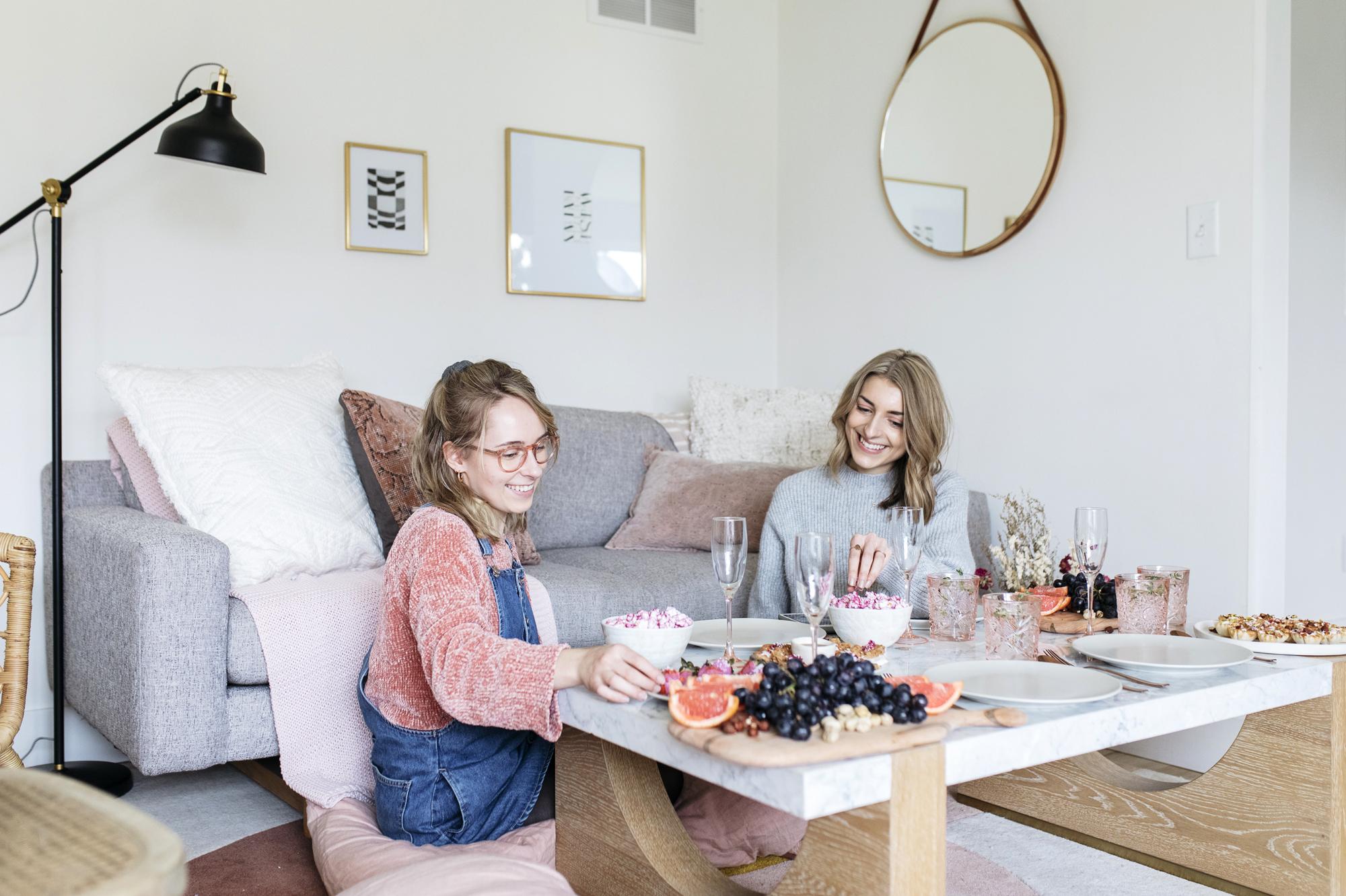 emilyrhess-galentines-brunch-girlfriends (26).jpg
