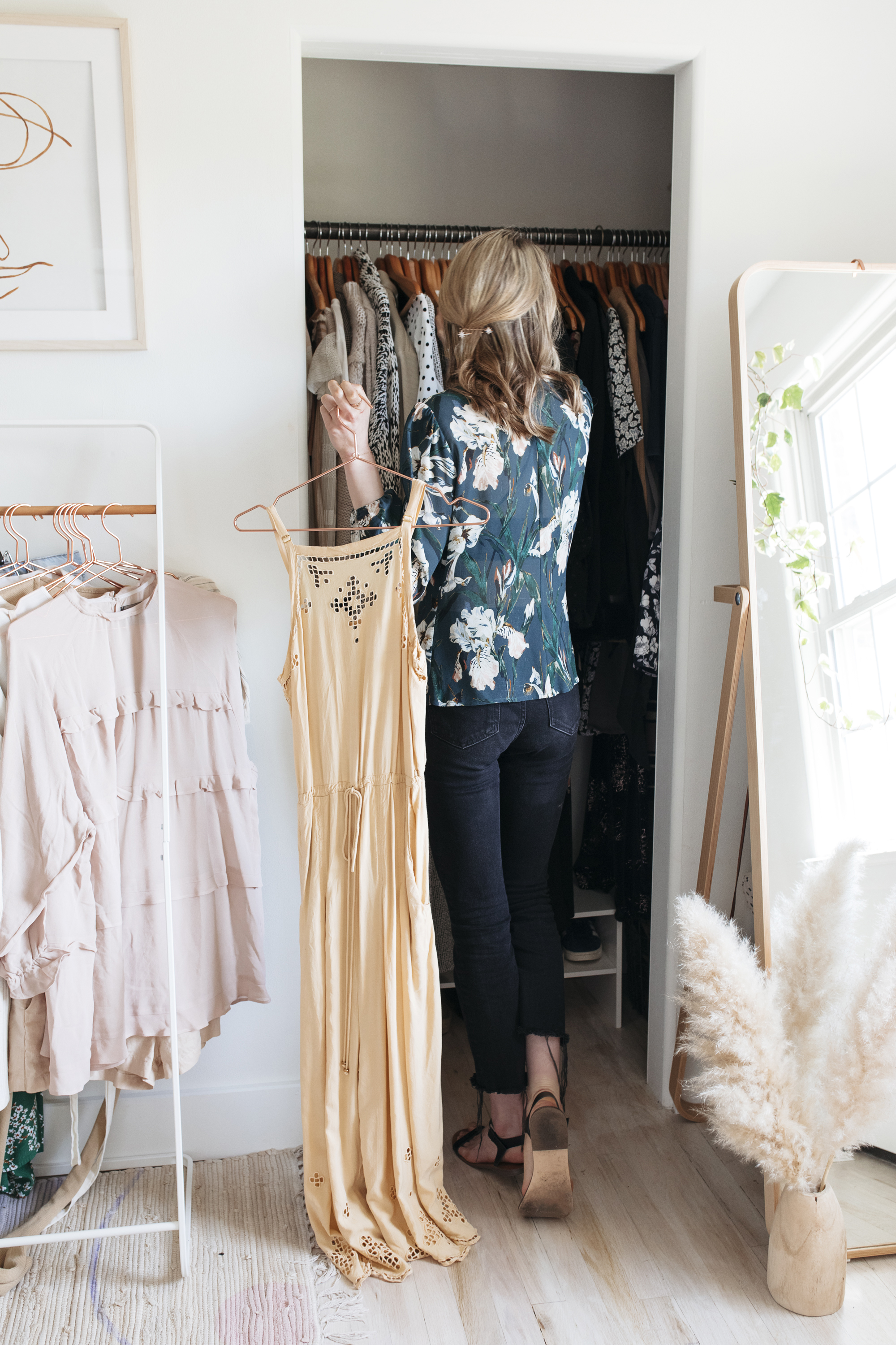 I love soft colors and a simple color palette to design my spring wardrobe